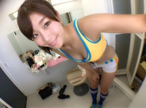 稲村亜美、始球式画像